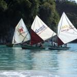 Trois voiles, sur des bateaux de pécheurs Haïtiens